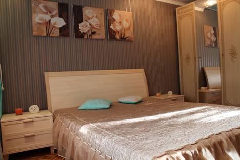 Сдается 3-комнатная квартира посуточнов Казани, ул. Адоратского, 58.