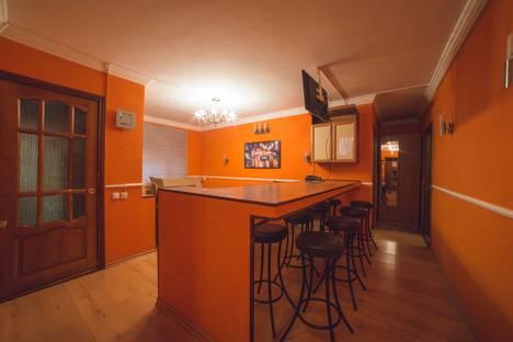 Сдается 3-комнатная квартира посуточно, Вокзальная улица, 3.