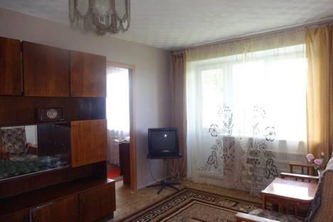 Сдается 2-комнатная квартира посуточнов Миассе, проспект Автозаводцев, 36.