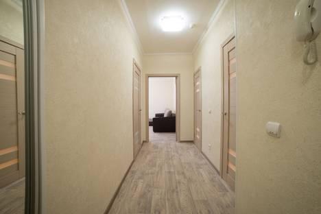Сдается 1-комнатная квартира посуточно в Астрахани, Бакинская 4 к1.