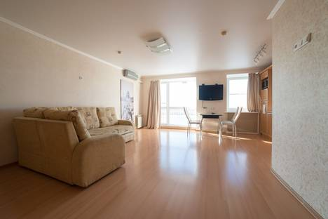 Сдается 1-комнатная квартира посуточно в Астрахани, улица Чехова, 103.