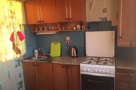 Сдается 2-комнатная квартира посуточнов Новочебоксарске, Первомайская улица дом 18.