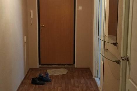 Сдается 2-комнатная квартира посуточно в Череповце, улица Ленина, 11.