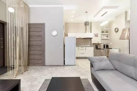 Сдается 2-комнатная квартира посуточнов Ростове-на-Дону, переулок Островского, 108а.