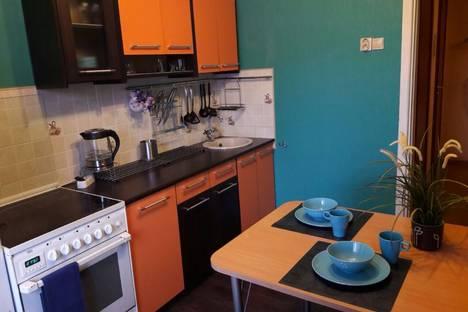 Сдается 2-комнатная квартира посуточнов Екатеринбурге, улица Ильича, 43.