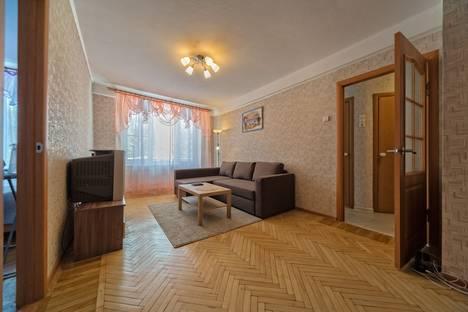 Сдается 2-комнатная квартира посуточнов Санкт-Петербурге, Кузнецовская улица д.14.