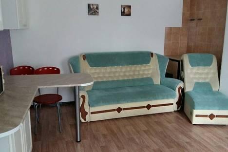 Сдается 2-комнатная квартира посуточно в Керчи, ул. Ленина, д.26.