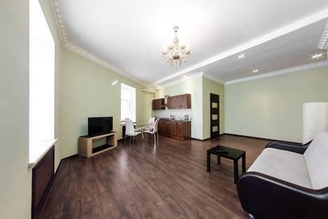 Сдается 2-комнатная квартира посуточнов Санкт-Петербурге, Невский проспект, 81.