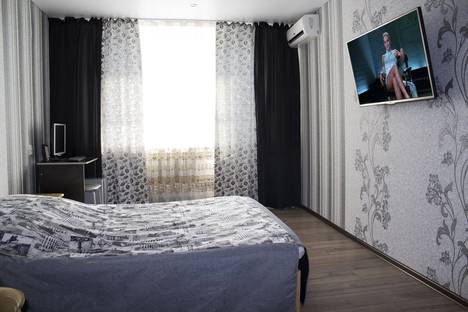 Сдается 1-комнатная квартира посуточнов Туймазах, Южная улица, 52.