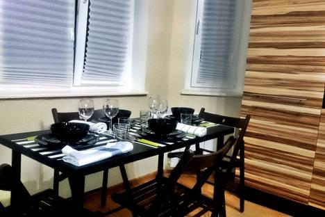Сдается 2-комнатная квартира посуточно в Курске, проспект Вячеслава Клыкова 17.