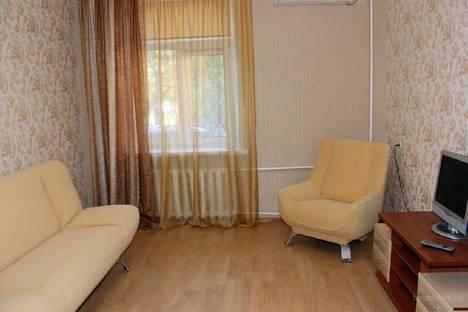Сдается 1-комнатная квартира посуточно в Волжском, пл. Труда 4 г.