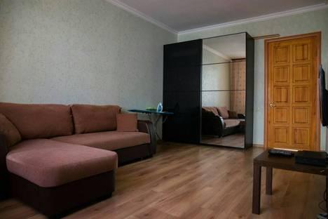 Сдается 2-комнатная квартира посуточнов Аксае, улица Черепахина, 228.