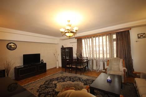 Сдается 3-комнатная квартира посуточнов Ереване, проспект Саят-Новы.