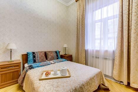 Сдается 3-комнатная квартира посуточнов Санкт-Петербурге, набережная реки Мойки, 51.