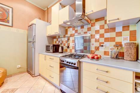 Сдается 2-комнатная квартира посуточнов Санкт-Петербурге, Большая Московская улица, 9.