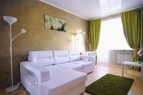 Сдается 1-комнатная квартира посуточнов Омске, Ленинградская площадь, 1.