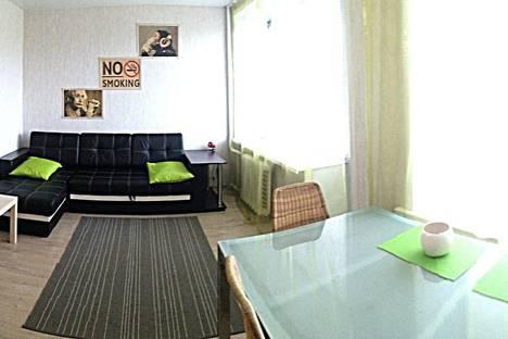 Сдается 2-комнатная квартира посуточно в Петрозаводске, Ленинградская улица, 22.