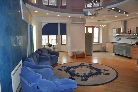 Сдается 3-комнатная квартира посуточно в Одессе, Тенистая 15.