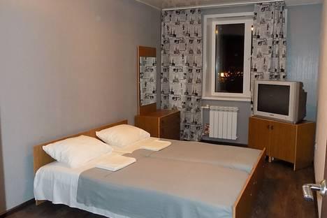 Сдается 3-комнатная квартира посуточнов Казани, проспект Ямашева, 75.