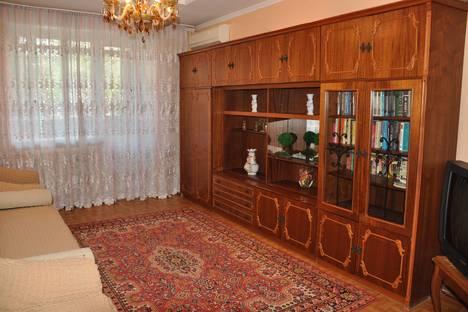 Сдается 2-комнатная квартира посуточно в Алматы, улица Маншук Маметовой, д. 6.
