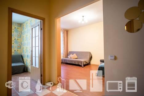 Сдается 1-комнатная квартира посуточнов Санкт-Петербурге, Малоохтинский проспект 16.