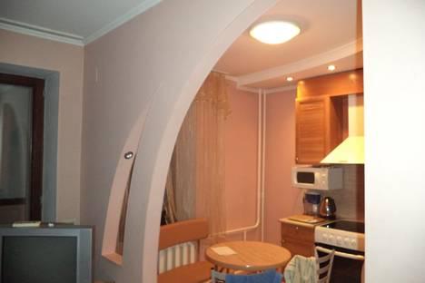 Сдается 2-комнатная квартира посуточнов Новокузнецке, Комсомольский проспект, 43Б.