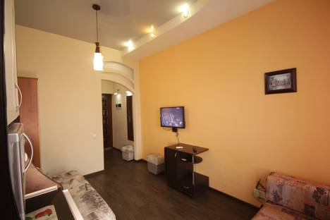 Сдается 1-комнатная квартира посуточно в Севастополе, улица Адмирала Фадеева, 48.