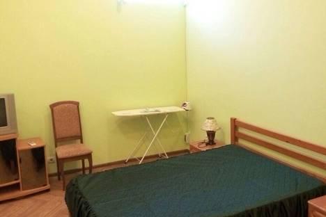 Сдается 1-комнатная квартира посуточно в Ялте, улица Куйбышева 12.