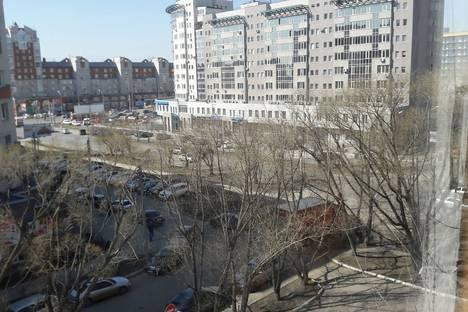 Сдается 2-комнатная квартира посуточнов Омске, улица Маяковского дом 44.
