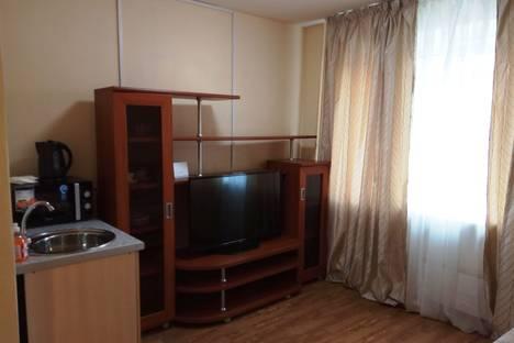 Сдается 1-комнатная квартира посуточнов Новокузнецке, улица 40 лет ВЛКСМ, 32.