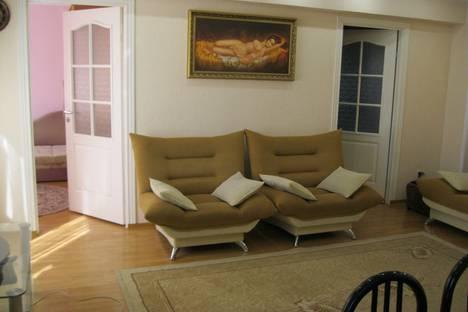 Сдается 2-комнатная квартира посуточно в Сочи, улица Воровского, 58.