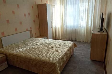Сдается 1-комнатная квартира посуточнов Апатитах, улица Дзержинского, 11.