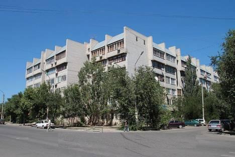 Сдается 3-комнатная квартира посуточно в Астрахани, Ахшарумова 1.