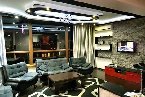 Сдается 2-комнатная квартира посуточно, ул. Павла Асланиди, 9.