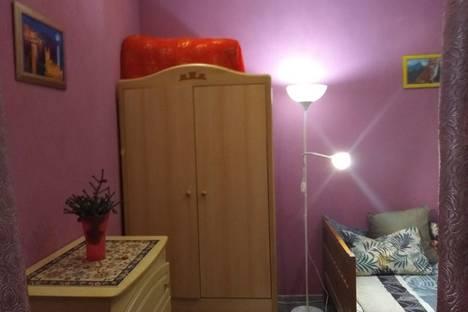 Сдается 2-комнатная квартира посуточно в Кронштадте, Широкая улица, 7.