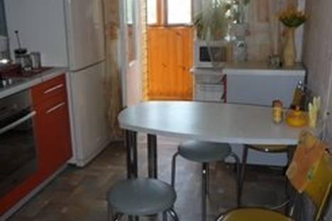 Сдается 2-комнатная квартира посуточно в Орле, Дубровинского наб.,58.