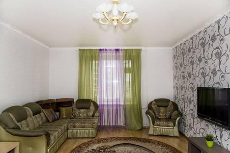 Сдается 2-комнатная квартира посуточнов Казани, Чистопольская,60.