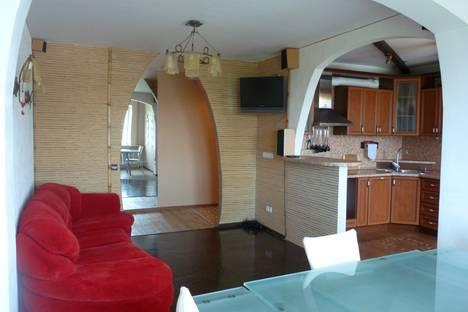 Сдается 3-комнатная квартира посуточно в Хабаровске, Рабочий городок ул. д.4.
