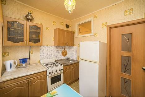 Сдается 1-комнатная квартира посуточнов Екатеринбурге, ул. Попова,25.