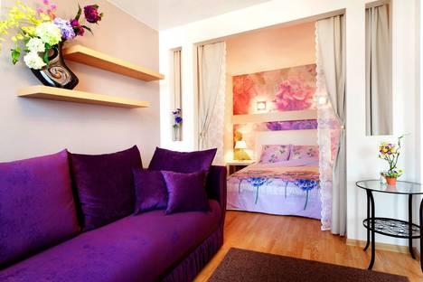 Сдается 1-комнатная квартира посуточно в Екатеринбурге, Щорса, 103.