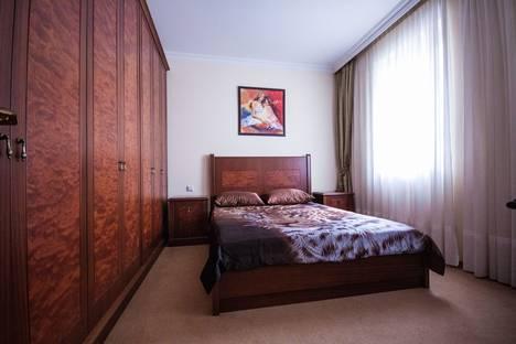 Сдается 1-комнатная квартира посуточно в Ялте, Морская 4.
