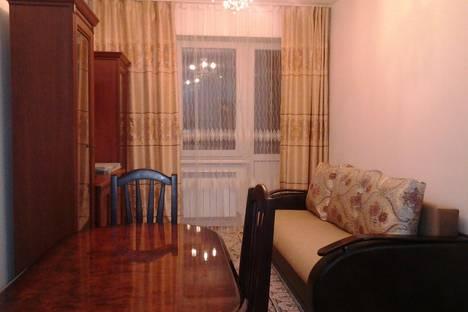 Сдается 2-комнатная квартира посуточно в Алматы, Алма-Ата, Казыбек Би 139.