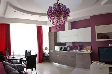 Сдается 2-комнатная квартира посуточно в Гурзуфе, ул. Ялтинская, 16.