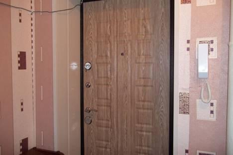 Сдается 1-комнатная квартира посуточнов Волжском, улица Маршала Еременко, 74.