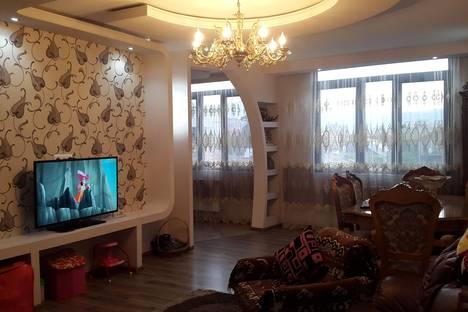 Сдается 3-комнатная квартира посуточнов Батуми, 7 улица Генерала Аслана Абашидзе.