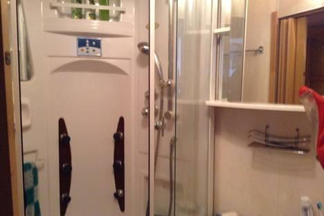 Сдается 2-комнатная квартира посуточнов Санкт-Петербурге, Полозова улица, 18.