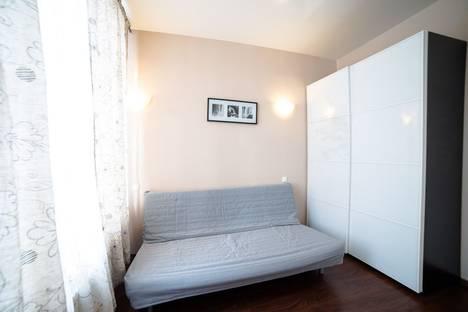 Сдается 1-комнатная квартира посуточнов Первоуральске, Зои Космодемьянской улица, 11.
