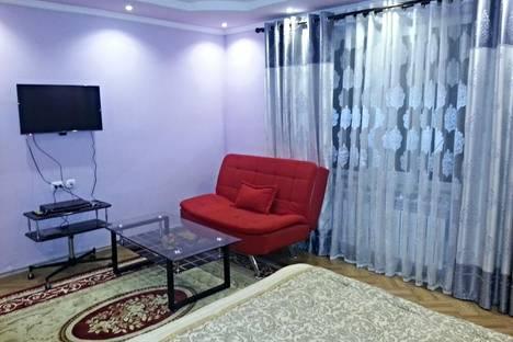 Сдается 1-комнатная квартира посуточно в Бишкеке, 102 улица Калыка Акиева.