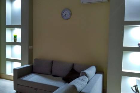 Сдается 3-комнатная квартира посуточнов Гагре, Ул.  Бульвар Надежд, дом  6/1.