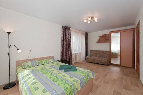 Сдается 1-комнатная квартира посуточно в Челябинске, улица Сони Кривой, 61.